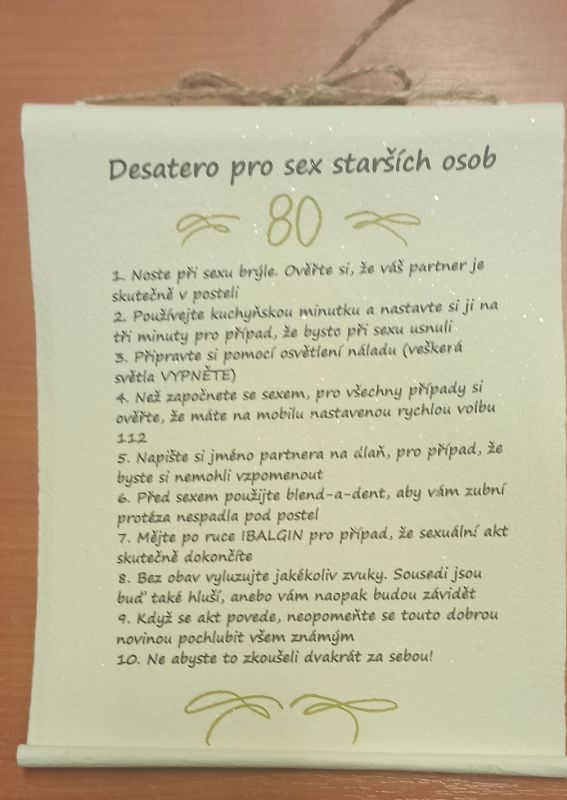Pergamen - desatero - Sex starších po 80